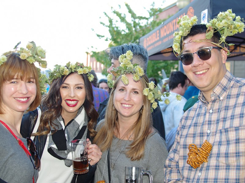 Hood-River-Hops-Fest-2015-hop-crown