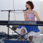 2015-Sasquatch-Brew-Fest-Douglas-County-Daughters-keyboardist