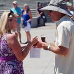 Bremerton-Summer-BrewFest-trading-beers