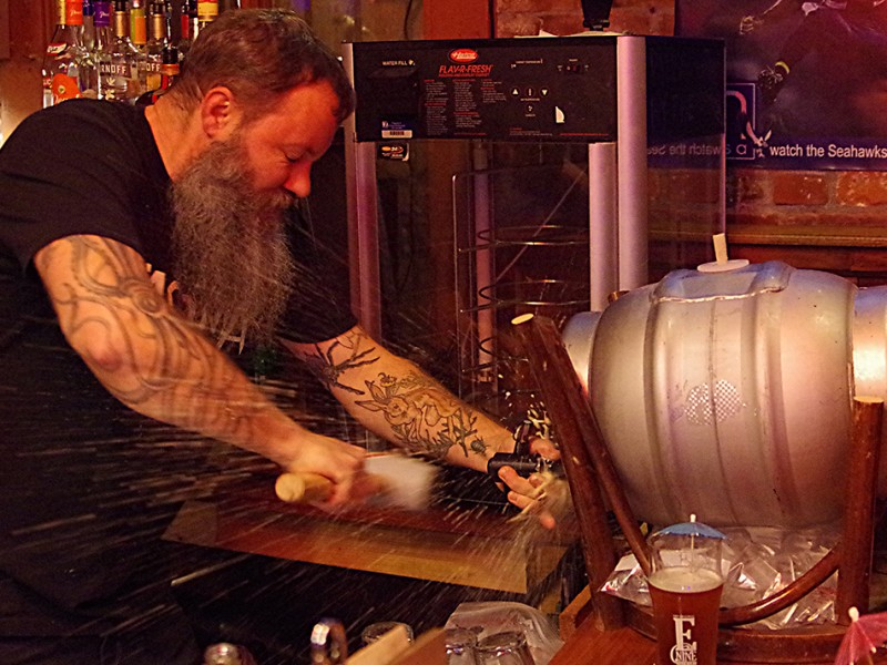 Firkin-Tuesday-at-Engine-House-No-9-tapping