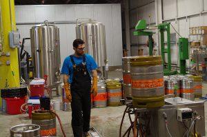 7-Seas-Brewing-Tacoma-opening-kegging