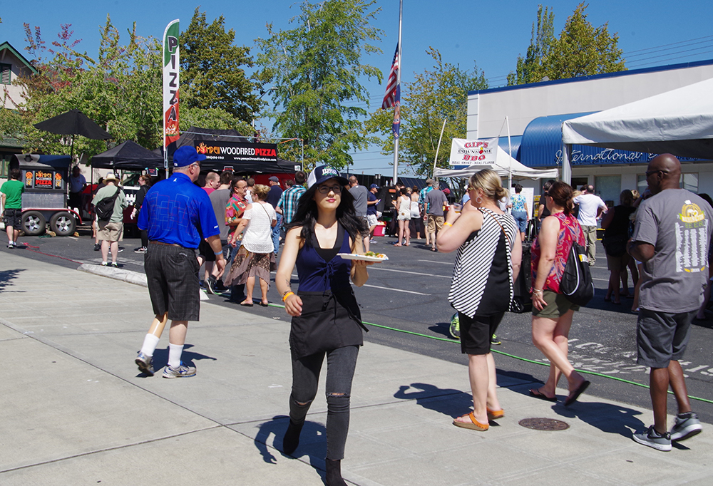 Everett-Craft-Beer-Festival-2016-pizza-delivery