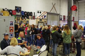 dicks-brewing-beer-for-a-cure-homebrew-competition-fundraiser-crowd