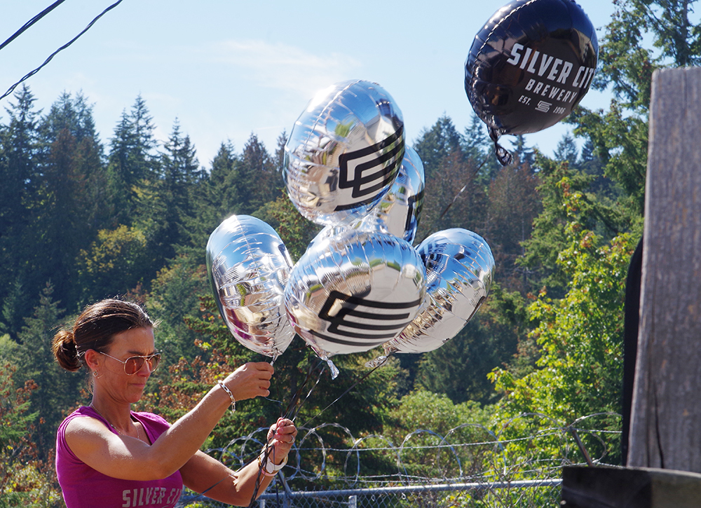 silver-city-brewery-20th-anniversary-party-balloons