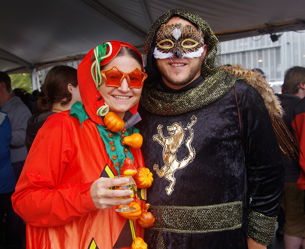 elysian-brewing-great-pumpkin-beer-festival-medieval