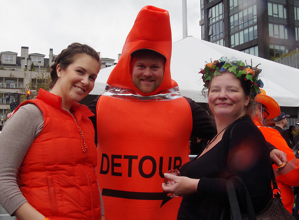 elysian-brewing-great-pumpkin-beer-festival-human-traffic-cone