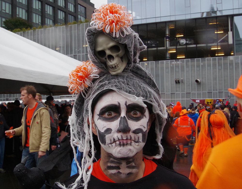 elysian-brewing-great-pumpkin-beer-festival-scary-skeleton-face