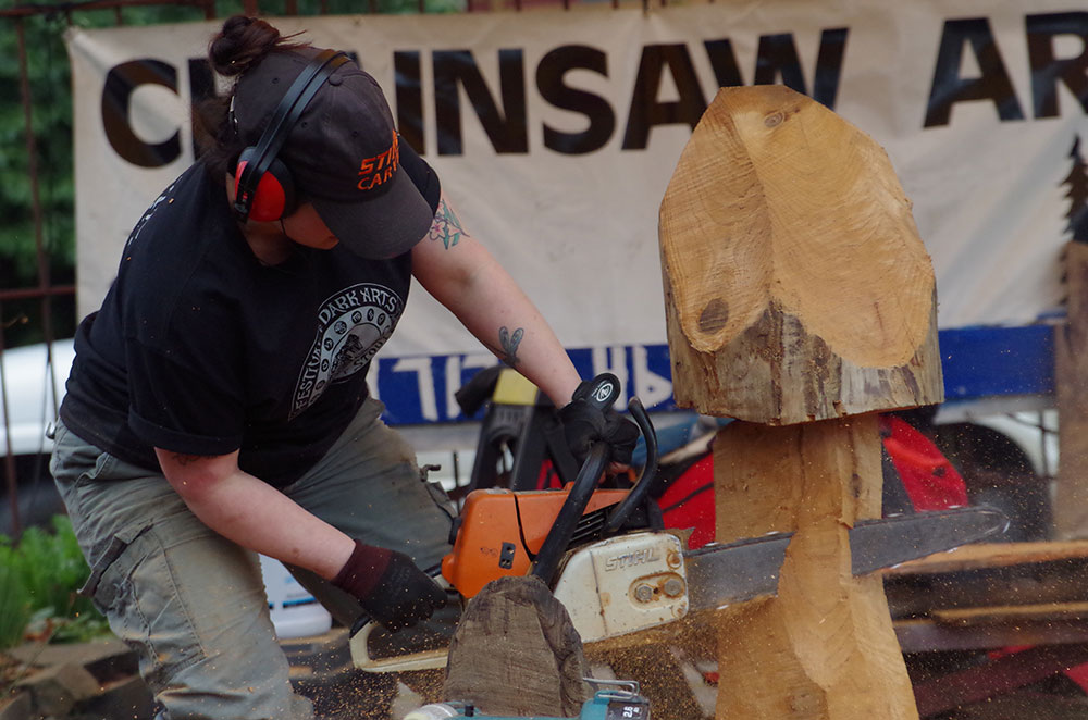 Fort-George-Brewery-Festival-of-the-Dark-Arts-chainsaw