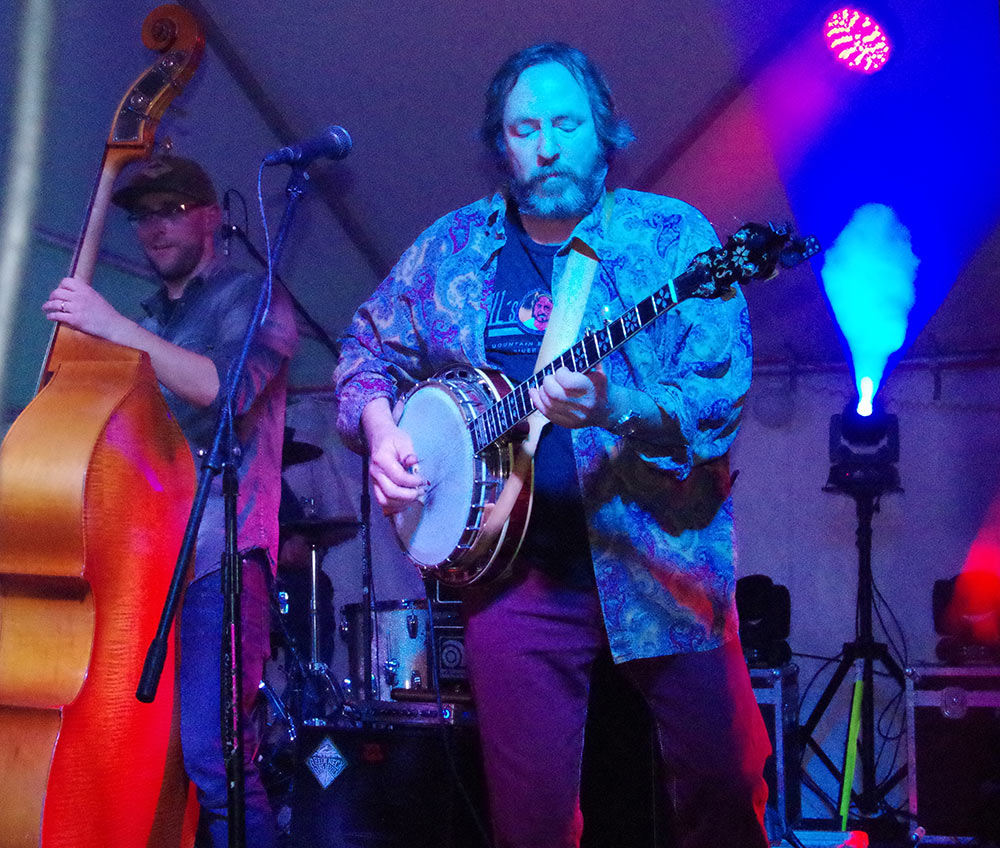 Double-Mountain-Brewery-10th-Anniversary-banjo-Matt-Swihart