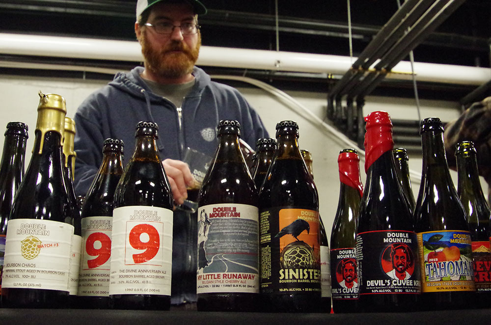 Double-Mountain-Brewery-10th-Anniversary-bottle-pours