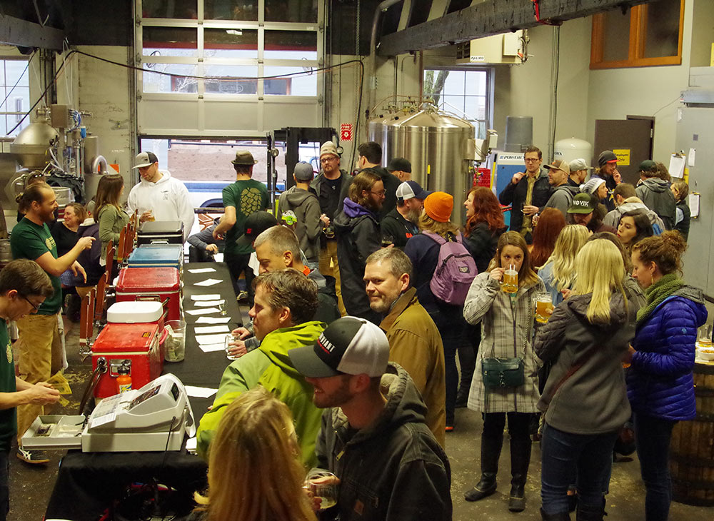 Double-Mountain-Brewery-10th-Anniversary-brewers-lounge-crowd