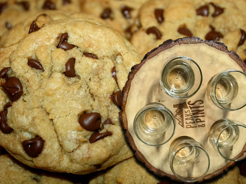Craft-Beer-Crosscut-5-15-217-A-Flight-of-Chocolate-Chip-Cookie