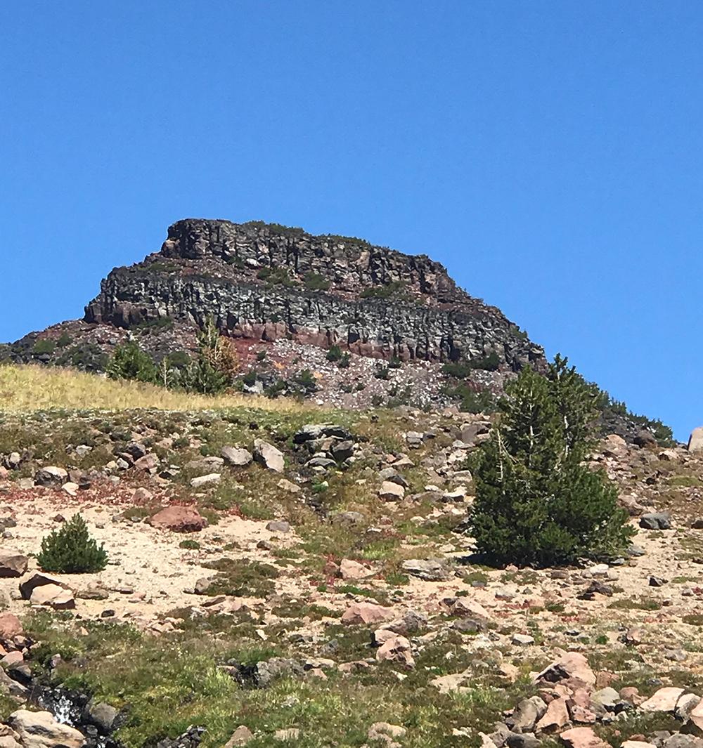 Broken-Top-Trail-rock
