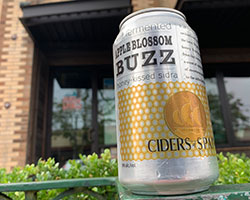 Viuda-de-Angelon-Apple-Blossom-Buzz-Tacoma