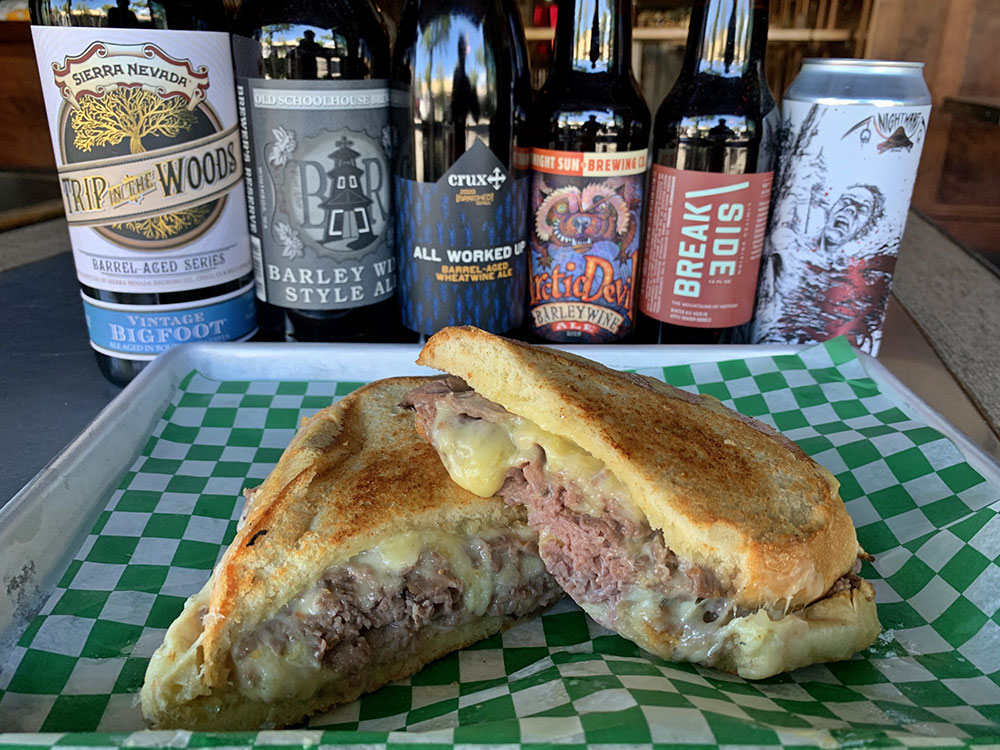Peaks-and-Pints-Tacoma-restaurant-best-roast-beef-cheddar-sandwich